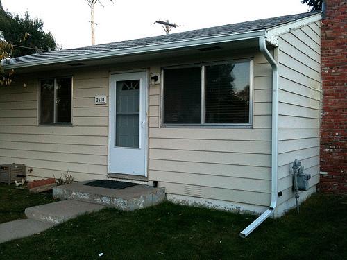 cost installing gutters trekmediaget. Black Bedroom Furniture Sets. Home Design Ideas